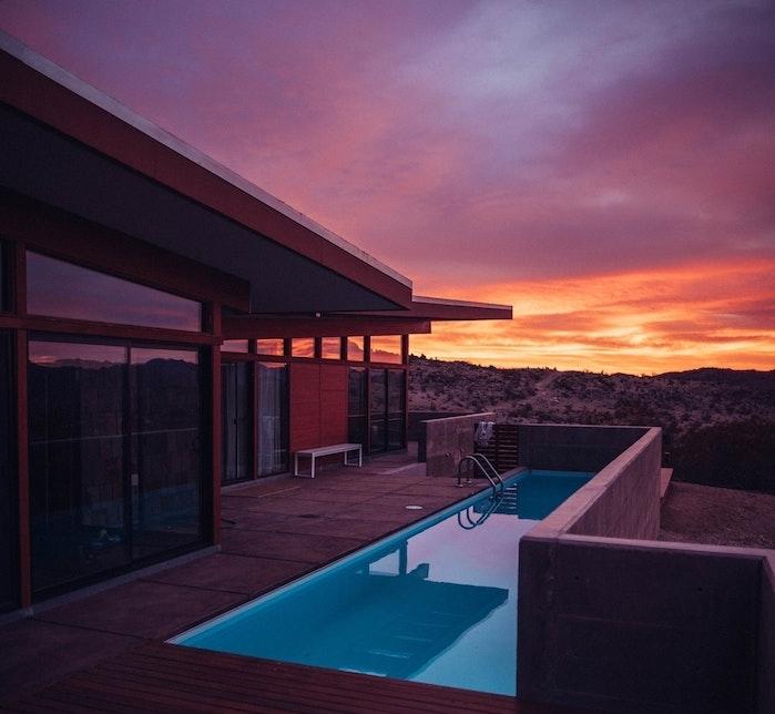 piscine enterée un atout pour la maison psicine sur terrasse en bois idée maison bois et vitres