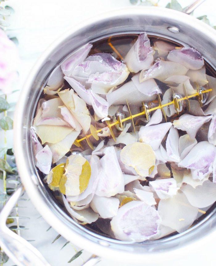 pot pourri petales de rose et eucalyptus pour assainir l air naturellement activité manuelle adulte