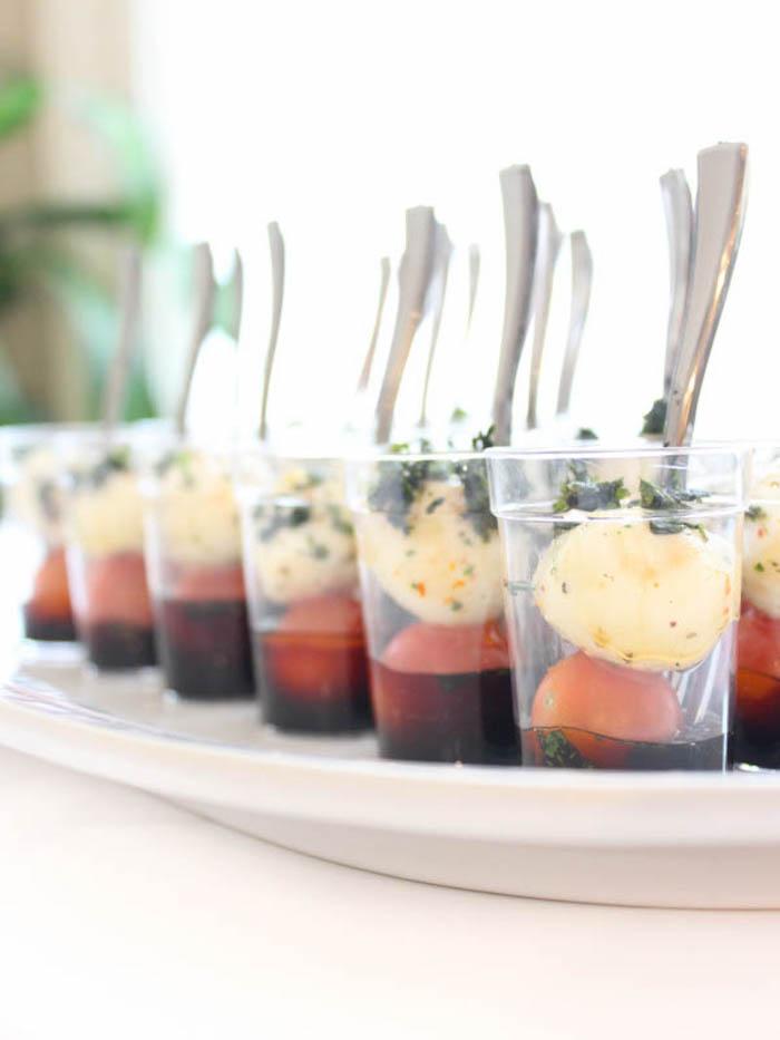 salade caprese tomates mozzarella vinaigre de balsamique apéro chic et facile a daire soi meme