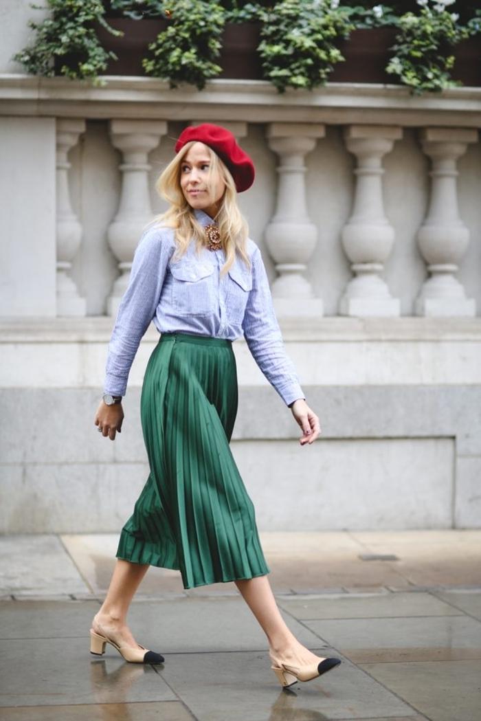 tenue de fête femme printemps mode couleurs vêtements jupe plissée vert taille haute chaussures beige et noir