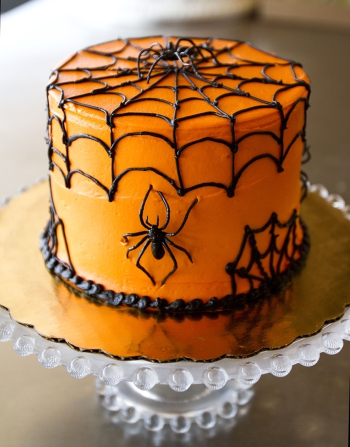 toile araignée chocolat fondu gateau halloween araignée ganache glaçage orange décoration dessert facile araignée