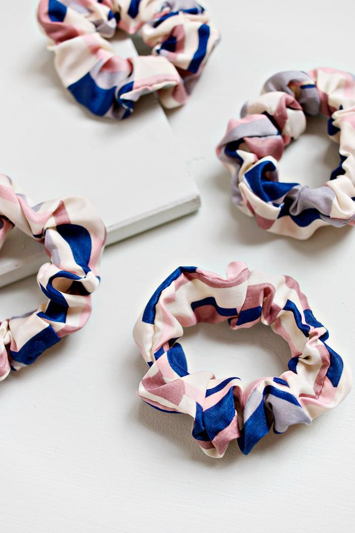 tuto couture facile accessoire élastique en tissu avec elastique inséré à l intérieur idée que faire quand on s ennuie