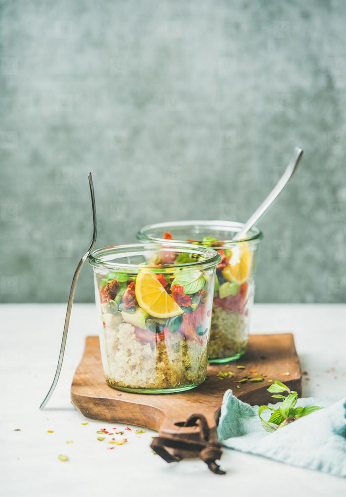 verrine apero simpe salade quinoa salades vertes tomates séchées idée entrée salade individuelle