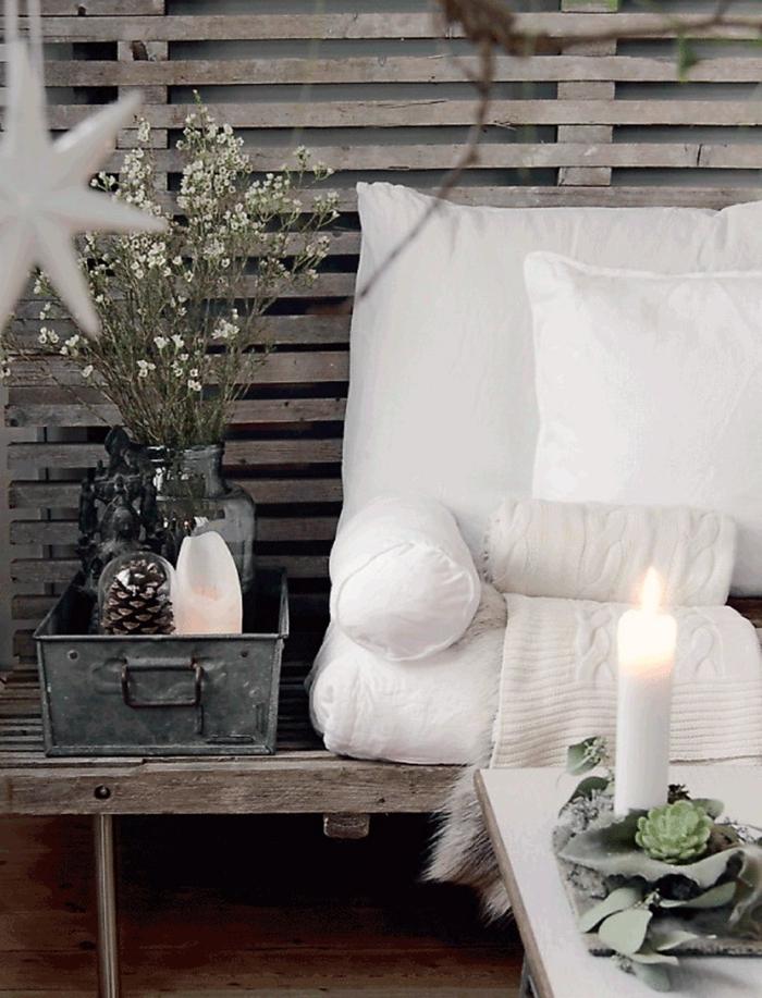 coussins housse blanche bougie blanche table bois basse deco noel a fabriquer bouquet fleurs séchées