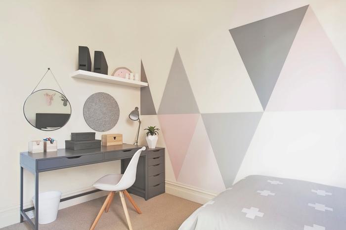 décoration chambre enfant bureau gris anthracite étagère suspendue blanche peinture triangle chambre fille chaise blanche miroir rond