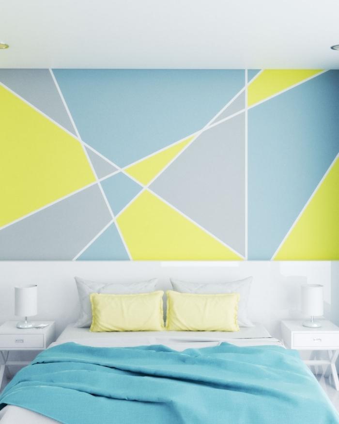 deco chambre peinture formes triangulaires spots led éclairage meuble de chevet blanc lampe de chevet coussin oreillers jaune