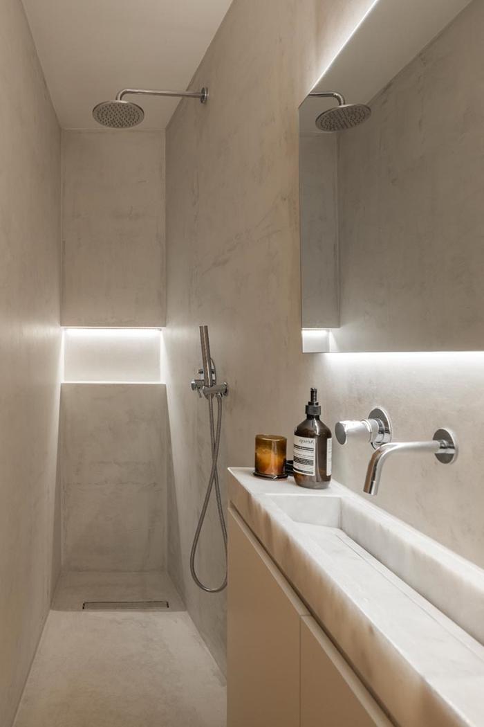 douche pluie niche murale éclairage led amenagement petite salle de bain 4m2 robinet inox évier étroit