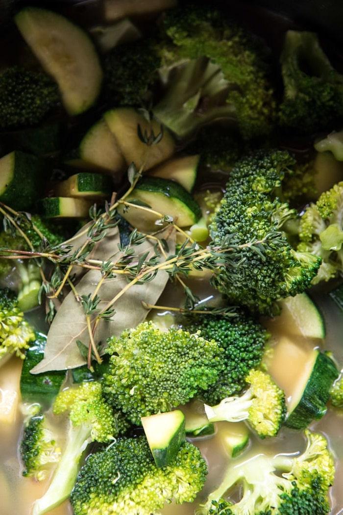 entree chic facile pas cher a la base des legumes broccolis et courgettes dans un marmiton