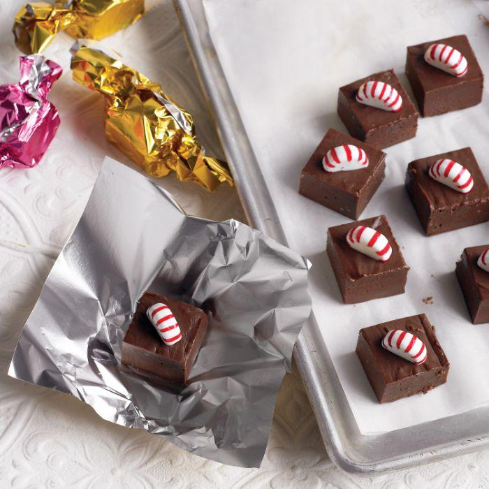 fondant chocolat fudge recette simple avec bonbon menthe poivrée à l intérieur comment faire du chocolat maison
