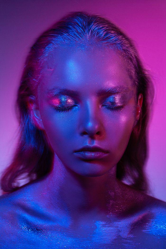 idée maquillage paillettes visage idée tendance maquillage 2020 pour look glamour maquillage jour de l an