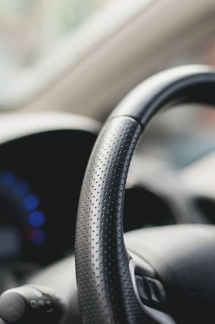 le volant d une voiture en cuir des accessoires d automobiles pour maintenir l interieur