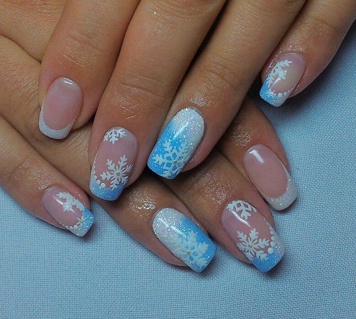 modele ongle gel tendance hiver manucure noel avec dessin facile flocons de neige blanc vernis glitter blanc