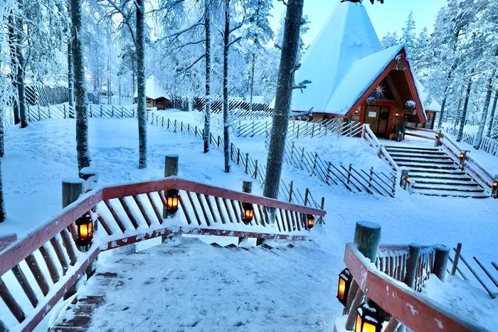 nature enneigée forêt montagne arbres clotûre bois lanterne fond d écran paysage cabane bois