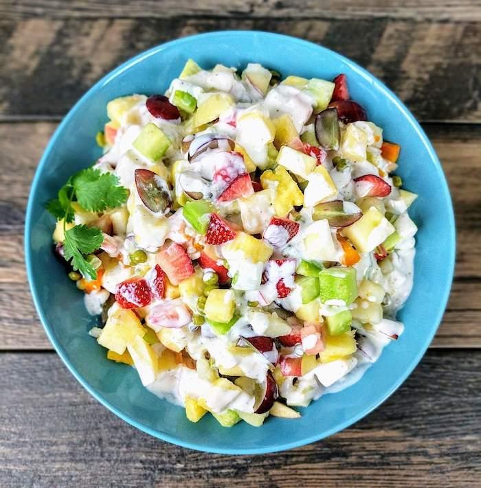 salade russe customisee avec des fraises et d ananas recette unique pour l hiver