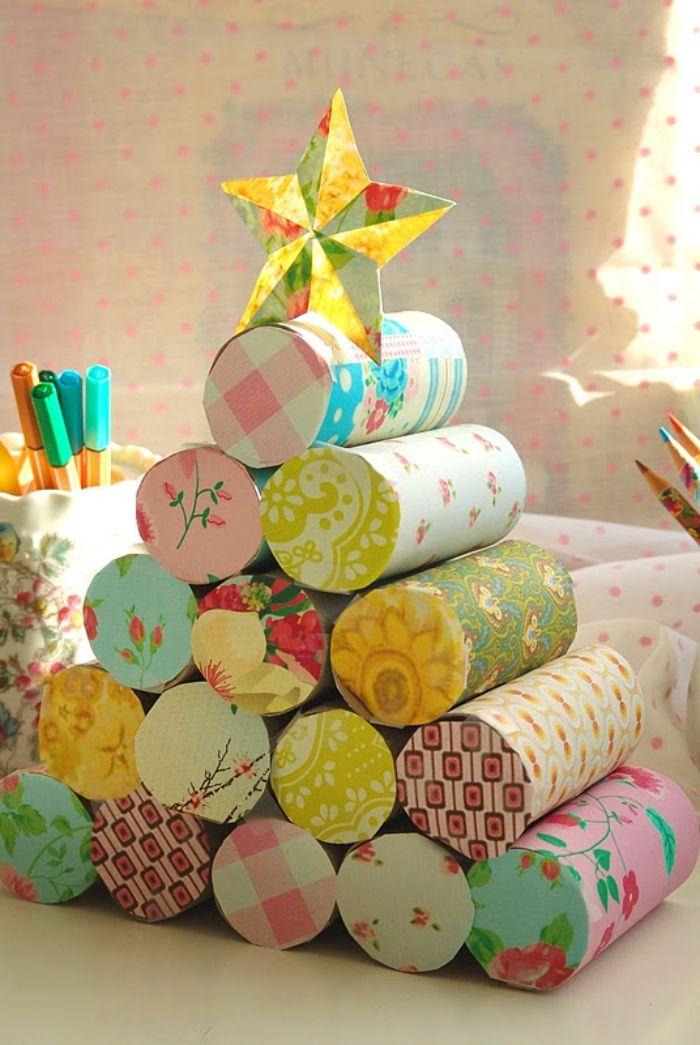 sapin en carton idée de bricolage de noel que peut on fabriquer avec des rouleau de papier toilette décorés de papier scrap