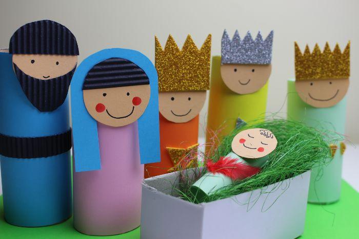 scene de noel avec les rois mages naissances jesus idée activité manuelle facile en papier toilette pour les petits