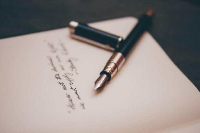 se lancer dans l écriture en écrivant ses premières posésies confinement que faire idée activité adulte