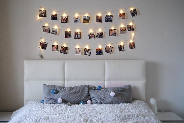déco petite chambre fille tête de lit blanc cuir lit cocooning coussins gris guirlandes boules lumineuse