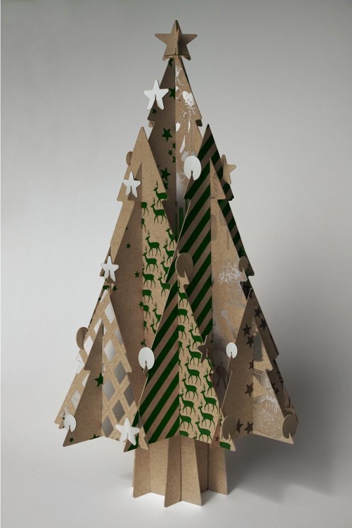deco noel a fabriquer une idee pour faire sapin en carton avec des differents empreints