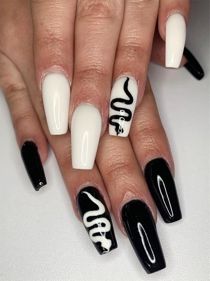 dessin serpent facile sur ongle en gel noir et blanc manucure technique gel facile maison ongles longs