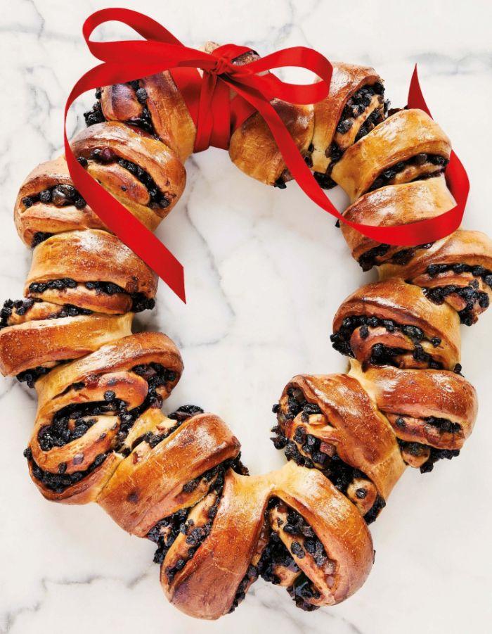 faire briochede noel dans pâte feuilletée et des fruits secs idée de dessert de noel pu petit dejeuner ou gouter delicieux