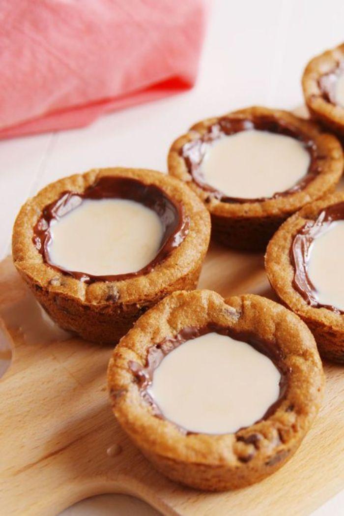 lait dans mini shots verres chocolat biscuit remplis de lait idee repas de noel original et facile a faire pour enfants