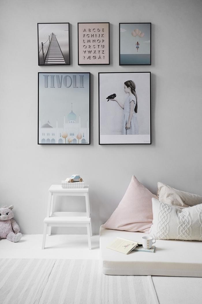 mur de cadres poster inspiration chambre ado fille 12 ans pinterest coussin pastel macramé meuble blanc