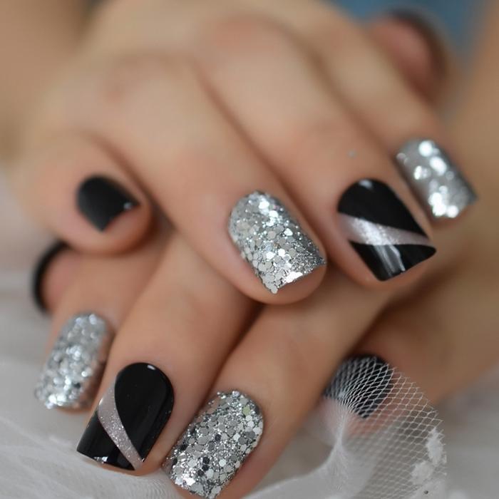 nail art noir vernis ongles paillette argent glitter manucure festive bicolore couleur vernis sombre noir