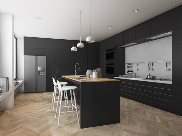 parquet bois aménagement cuisine en l avec ilot central meubles gris anthracite mat sans poignées crédence grise