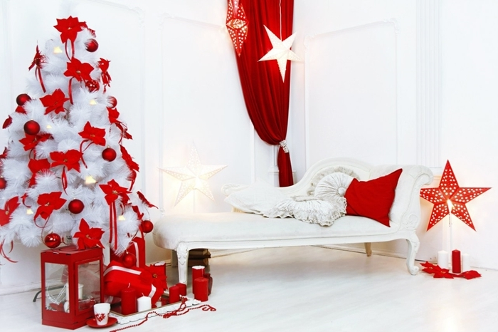 sapin blanc décoré design photobooth noel arbre de noel faux branches blanches noeud papillon rouge