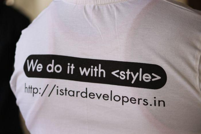 vetement siglé idée de t shirt objet publicitaire orifinal pour augmenter notoriété entreprise