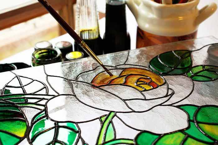 best paints for glass