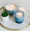 bougie naturelle contenant verre bleu plante succulente plateau marbre or bougies maison