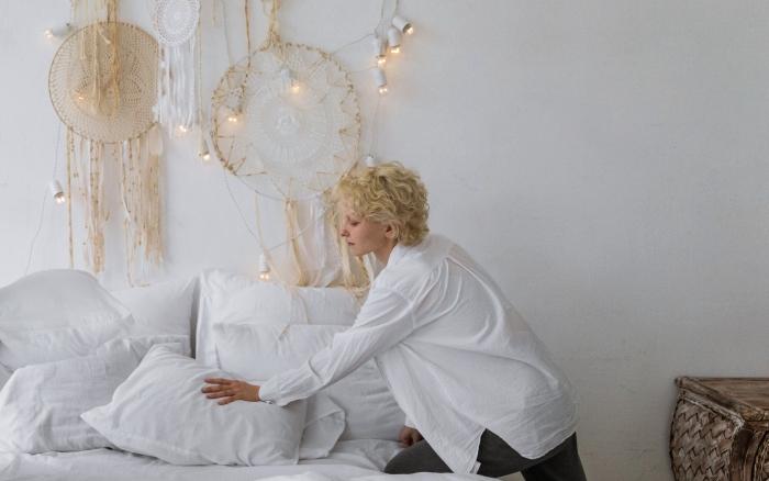 choix oreillers décoration lit douillet suspension attrape rêves matière oreillers