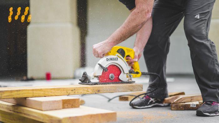 comment construire votre maison planches en bois clair