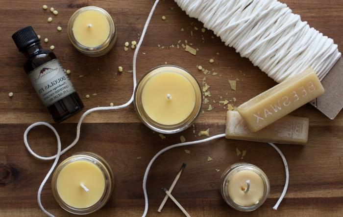 comment faire des bougies huile essentielle cire naturelle cire d abeille mèche contenant verre