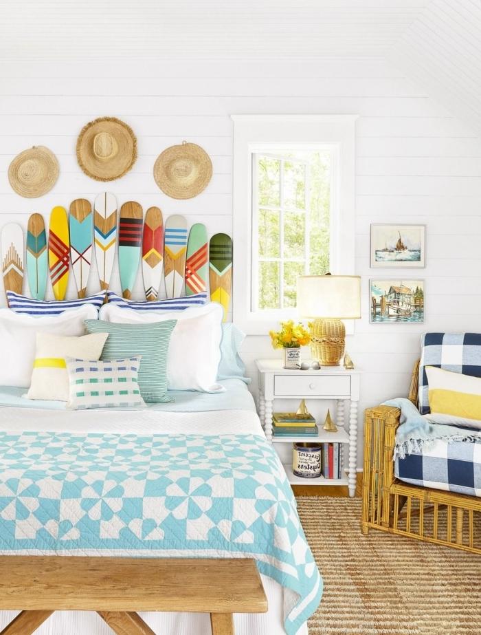 design intérieur style bord de mer mur avec capeline paille tete de lit a faire soi meme banquette bois