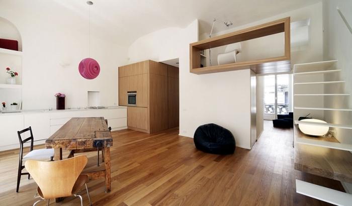 design style moderne intérieur aménagement de mezzanine escalier blanc parquet bois stratifié cuisine blanche