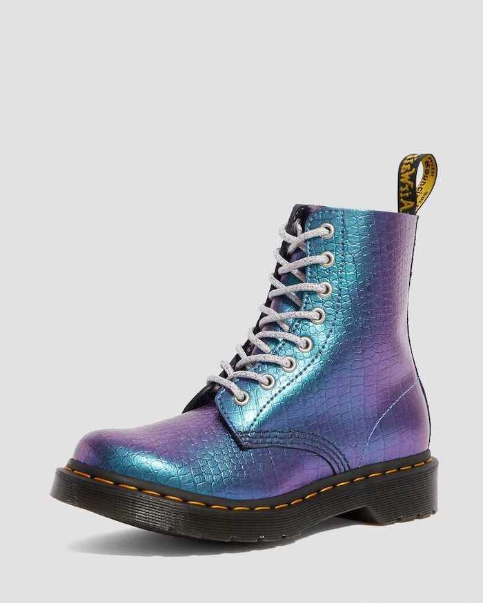 doc martens paillettes et couleurs bleu et violet bottines customisés