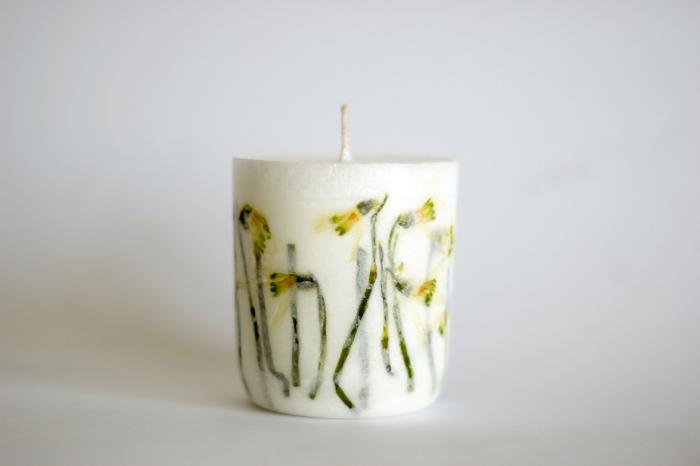 faire ses bougies cire végétale décoration de bougie avec fleurs séchées