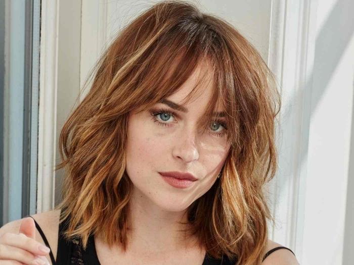 idée couleur cheveux pour yeux verts maquillage fards marron oiffure shag avec frange