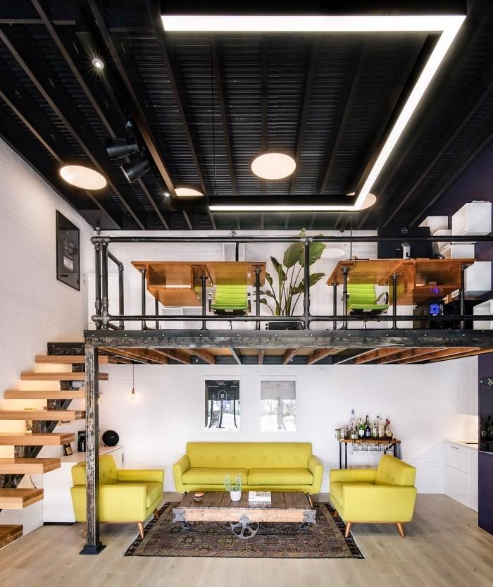 mezzanine metal constuction bois et fer décoration style industriel meubles salon vert jaune table industrielle