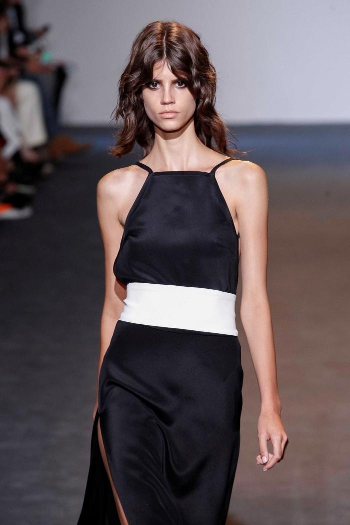 nouvelle coupe de cheveux femme 2021 couleur de cheveux marron robe noire ceinture blanche