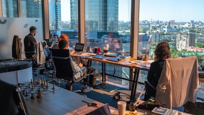 quel jeux pour le bureau office space avec magnifique vue burreau en verre