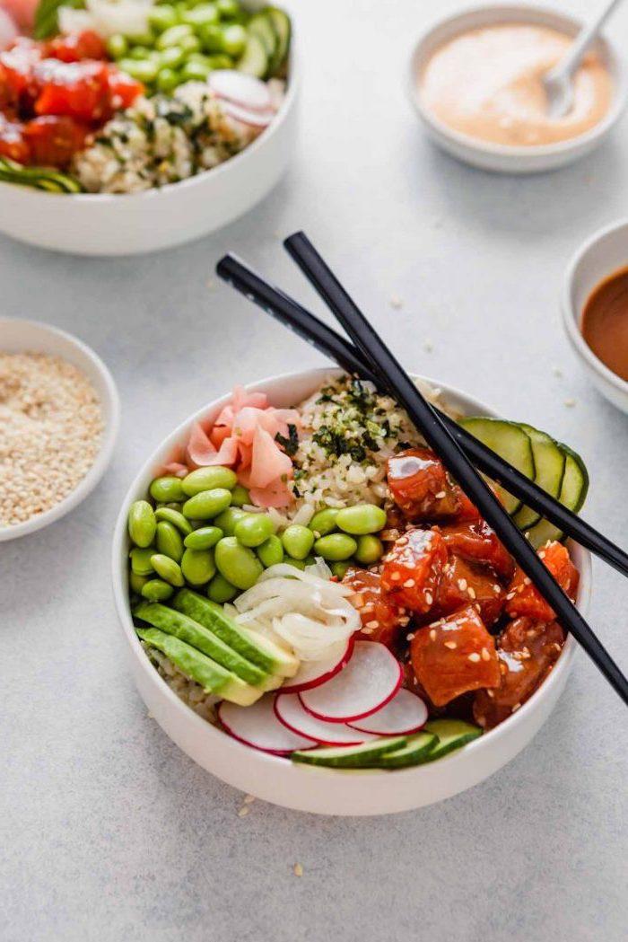 samin auxfèves concombres avocat riz oignons exemple de poke bowl à faire soi meme