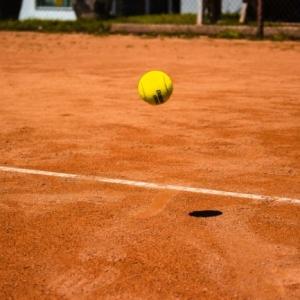 Le sol sportif extérieur et les sols de gymnase pour les professionnels - guide pour faire un choix avisé