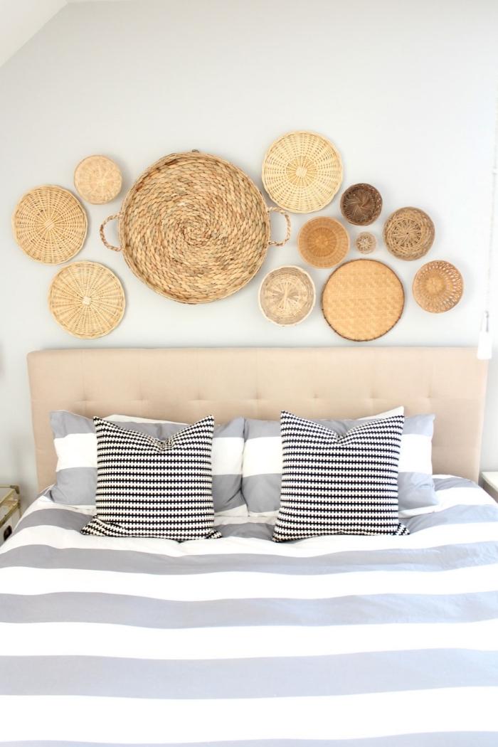 tete de lit a faire soi meme avec paniers tressés fibre végétale déco bohème objets artisanaux tête lit cuir