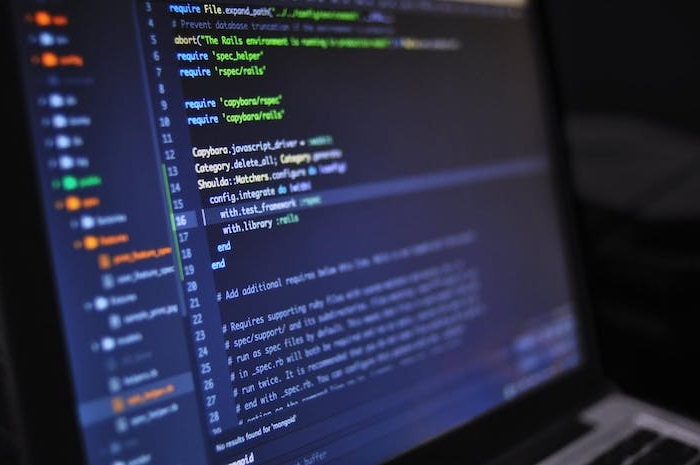 un ecran bleu d ordinateur qui montre un logiciel