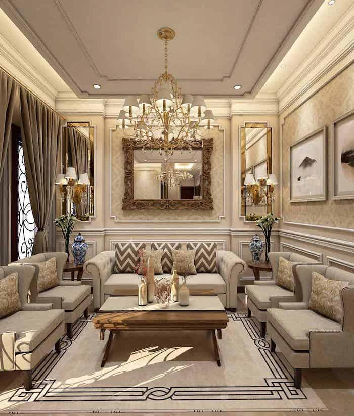 un salon en style classique avec des maubles barroques en beige et des ornements dorés