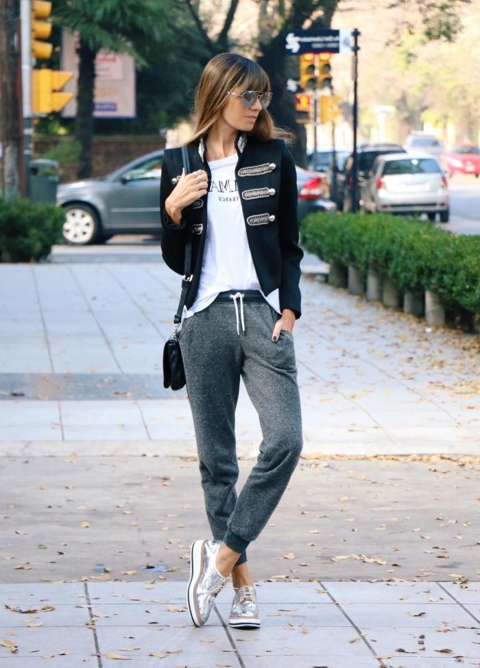 blouse blanche blazer noir baskets métallisée argent pantalon jogging femme gris foncé